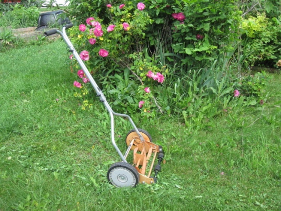 Today's push reel lawnmowers: Not your grandpa's mower